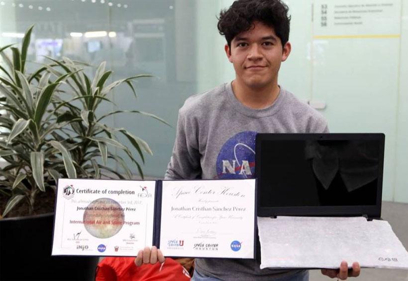 NASA premia a estudiante luego de que México le negara apoyo | El Imparcial de Oaxaca