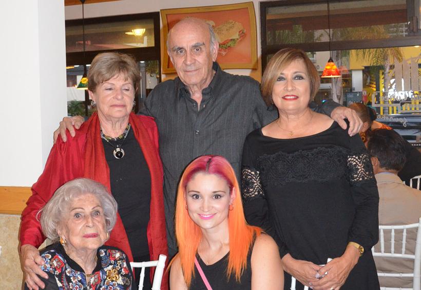 Doña Paulette  celebra 100 años