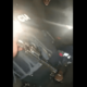 Video: Policía toma una siesta y sujeto graba como roba su arma