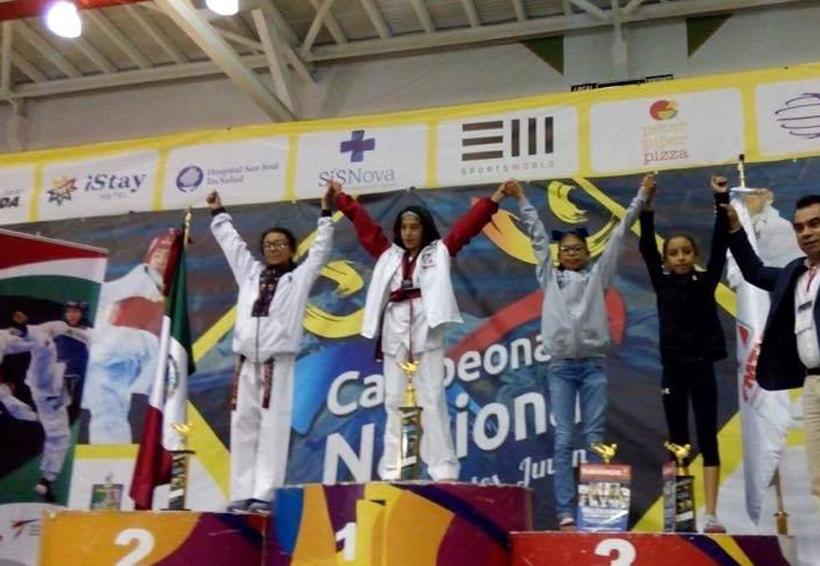 Regresan con buenos resultados en el Taekwondo