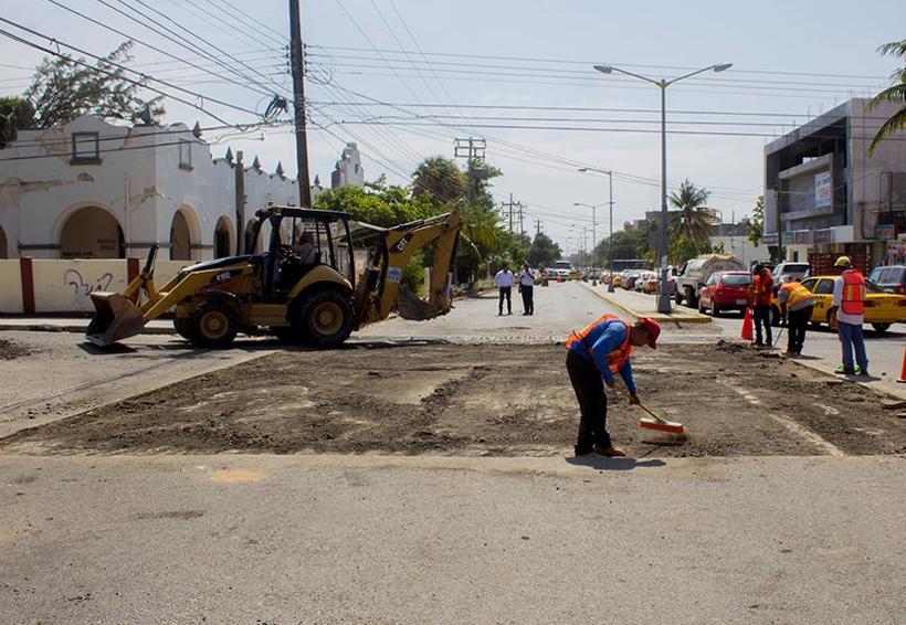 Realizan trabajos de pavimentación y reparación de calles del Istmo de Oaxaca