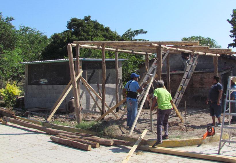 Trabaja Jenny Rivera Love  Fundation por Ixtaltepec, Oaxaca