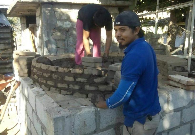Avanzan con construcción de hornos en Ixtaltepec, Oaxaca   El Imparcial de Oaxaca
