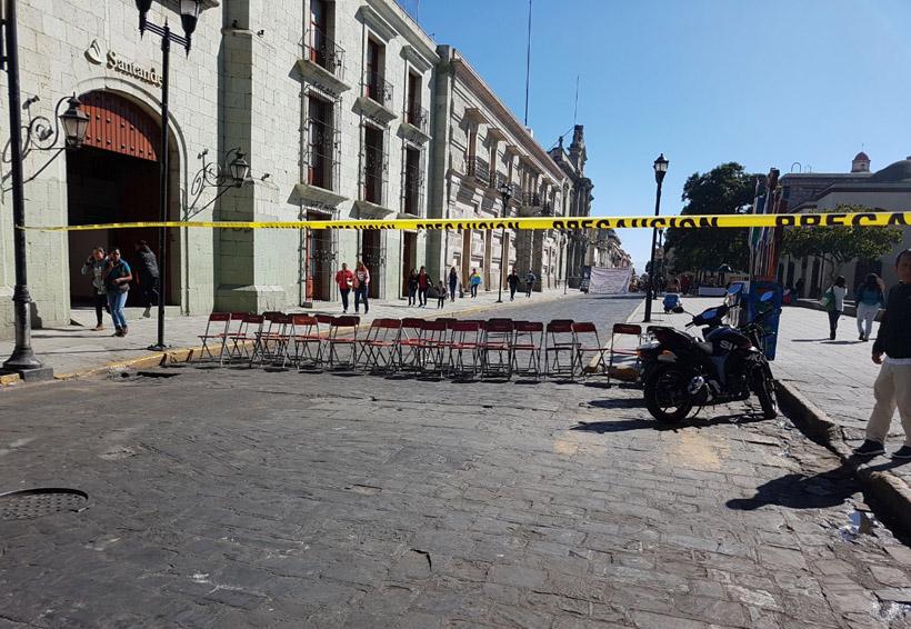Alumnos de Derecho en Oaxaca, cumplen un mes de clases en la calle | El Imparcial de Oaxaca