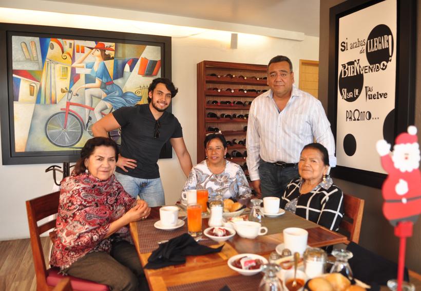 Juntos en familia | El Imparcial de Oaxaca