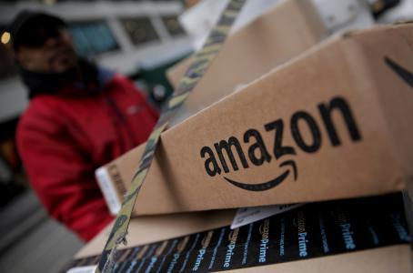 Trump exige al Servicio Postal de EU cobrar más a Amazon por envíos | El Imparcial de Oaxaca