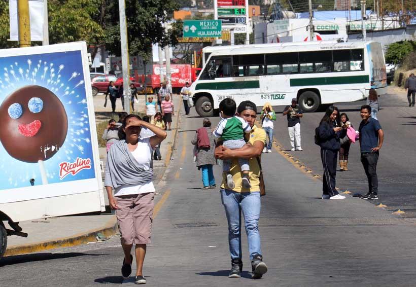 Maestros del ITO bloquean crucero en Oaxaca | El Imparcial de Oaxaca
