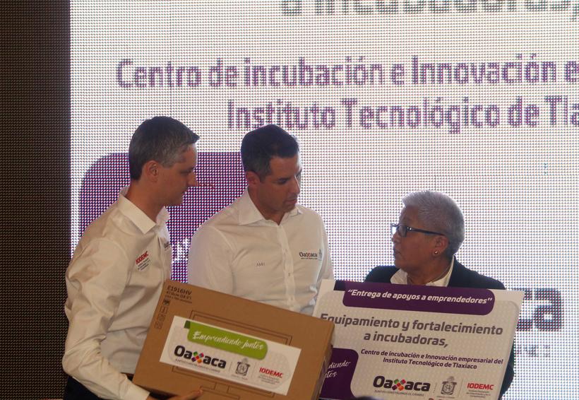 Entregan 20.9 mdp a emprendedores en Oaxaca | El Imparcial de Oaxaca
