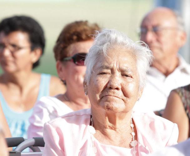 Adultos mayores de Tuxtepec reciben apoyos