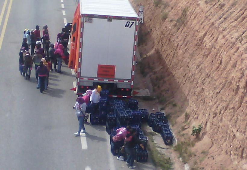 """Ciudadanía de la Mixteca de Oaxaca, indignada por acciones de los """"normalistas"""""""