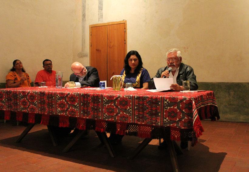 Cobra fuerza literatura en lenguas indígenas