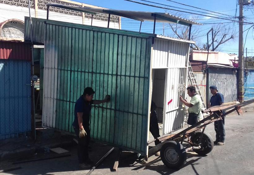 Comerciantes de Salina Cruz en riesgo de perder su patrimonio