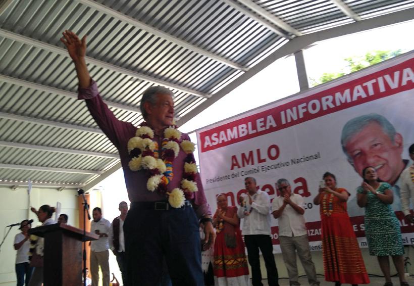 Continúa AMLO con su gira por la Costa de Oaxaca