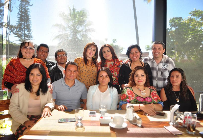 Juntos por navidad | El Imparcial de Oaxaca