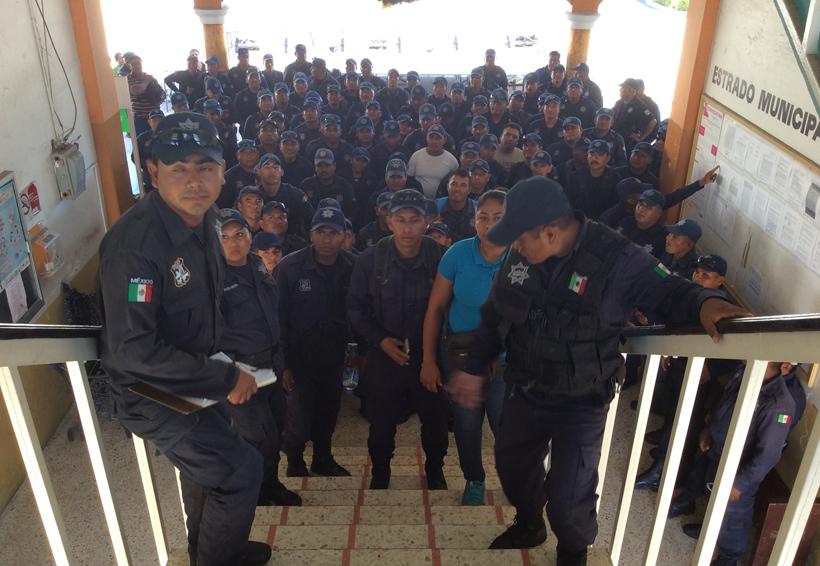Ejército toma las calles de Pinotepa Nacional, Oaxaca