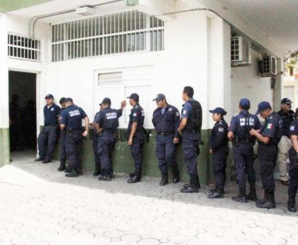 Someten a policías de Tuxtepec a examen de confianza