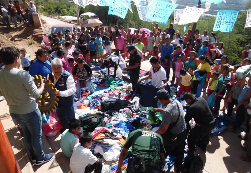 Entregan a familias cuicatecas ropa y  artículos del hogar | El Imparcial de Oaxaca