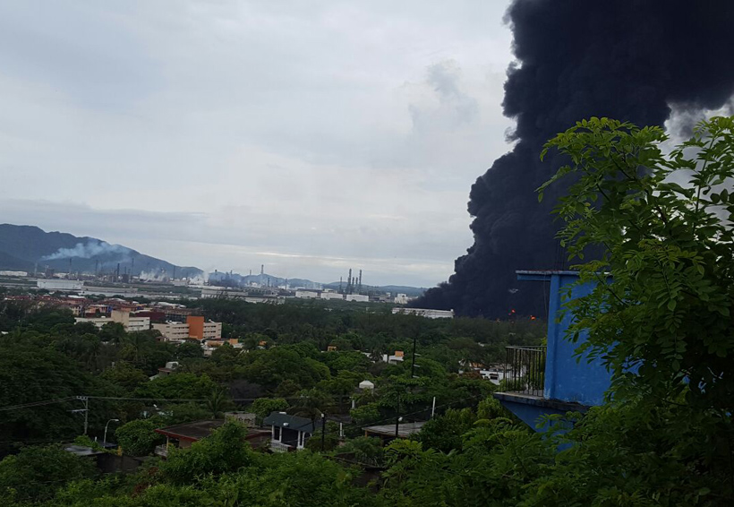 Falla eléctrica deja fuera de operaciones a la refinería Antonio Dovalí Jaime