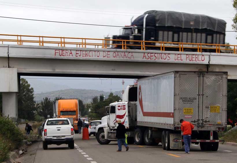 Dirigentes de Covic agreden a policías | El Imparcial de Oaxaca