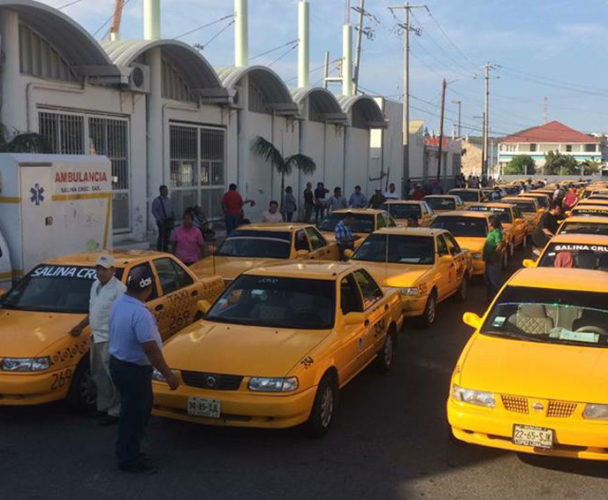 Inicia Sevitra revisión  de taxis en Salina Cruz, Oaxaca