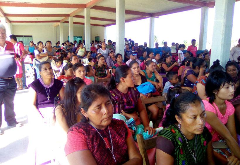 Llevan ayuda médica y  humanitaria a San Mateo del Mar, Oaxaca