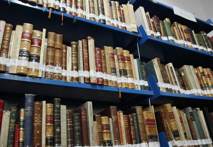 Llevan colecciones de la Biblioteca  Margarita Maza de Juárez al Archivo Histórico