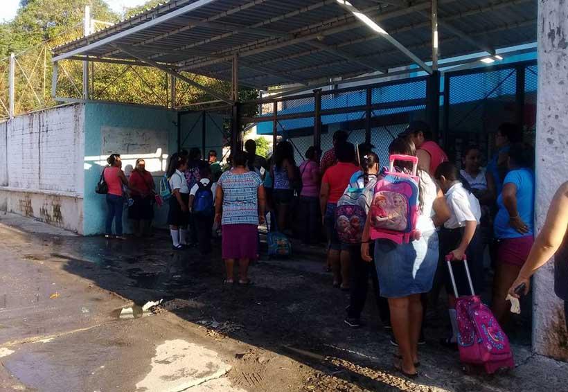 Primaria Vicente Guerrero de Salina Cruz, en total abandono