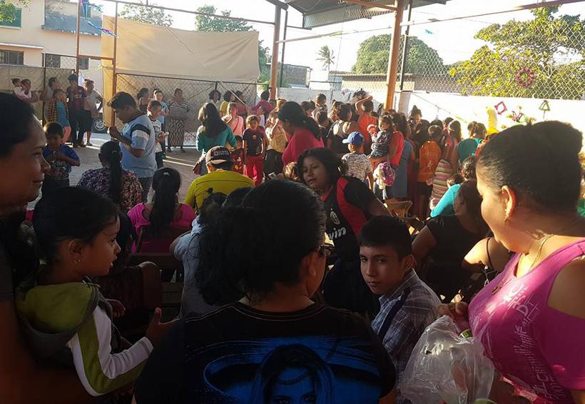 Realizan convivencia con  damnificados en Asunción Ixtaltepec, Oaxaca