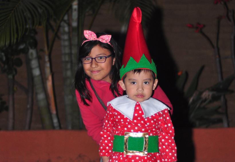 Colegio Mundo Edukrte celebró su festival navideño