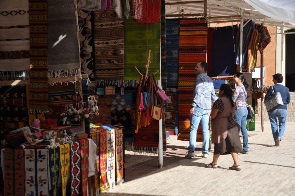 Colores, texturas y manos mágicas confluyen en Teotitlán, Oaxaca | El Imparcial de Oaxaca