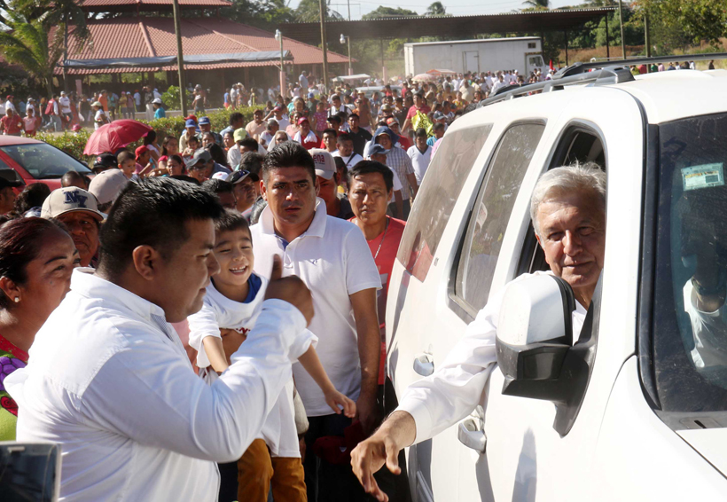AMLO: Gobierno de Oaxaca se tomó la foto y  olvidó a los damnificados