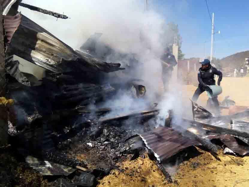 Arde bodega de templo cristiano en Atzompa, Oaxaca | El Imparcial de Oaxaca