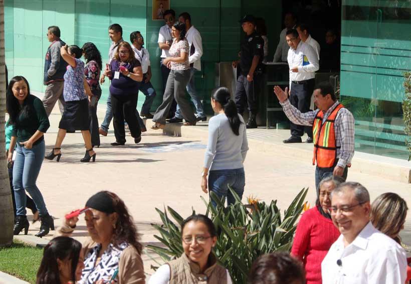 Siguen protestas en sindicato de burócratas en Oaxaca | El Imparcial de Oaxaca