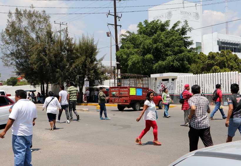 Protestan empleados de la Sedesol en Oaxaca | El Imparcial de Oaxaca