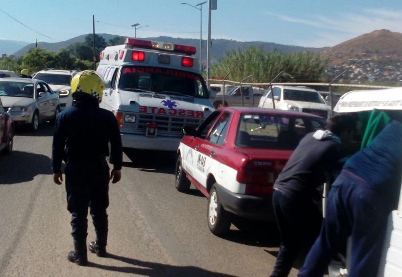 Colisiona mototaxi y particular en la ex-Garita de Xoxo, Oaxaca | El Imparcial de Oaxaca