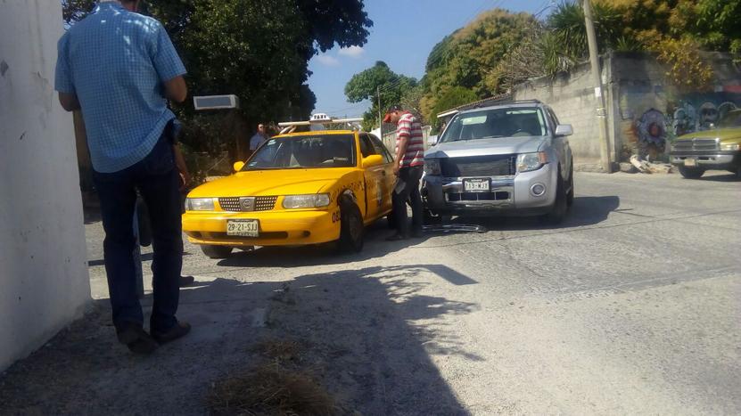 Colisiona taxi en Salina Cruz, Oaxaca | El Imparcial de Oaxaca