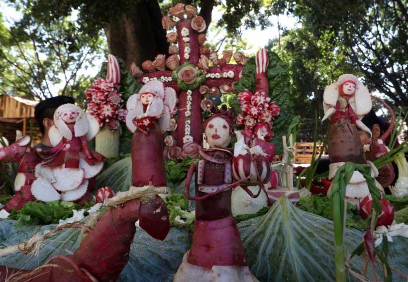 Miles disfrutan la 'Noche de Rábanos' en Oaxaca | El Imparcial de Oaxaca