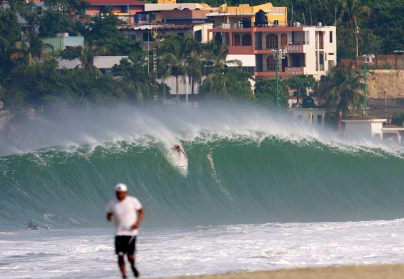 Saturadas las playas de Oaxaca | El Imparcial de Oaxaca
