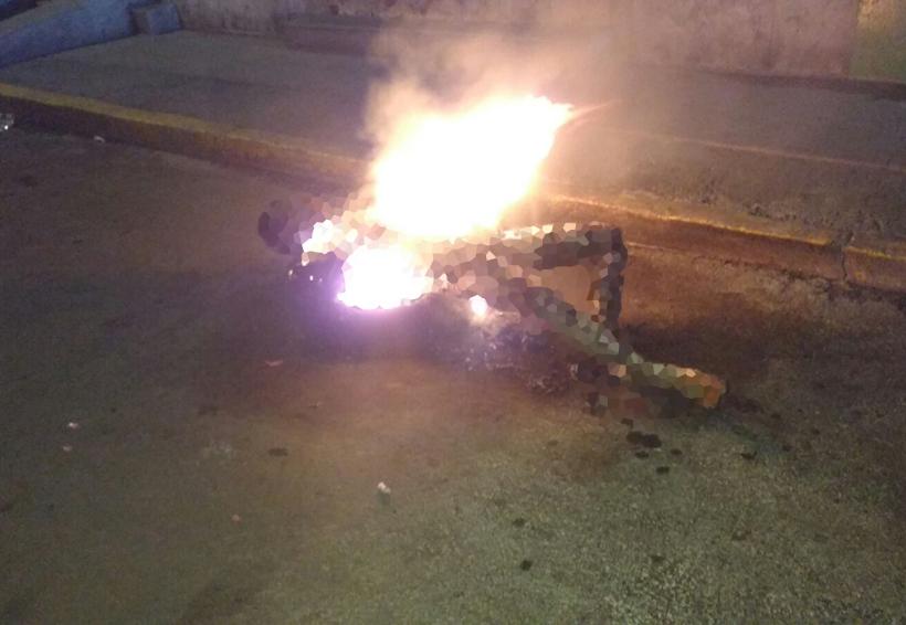 Prenden fuego a cuerpo descuartizado en la carretera | El Imparcial de Oaxaca