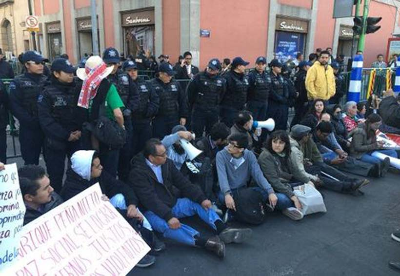 Instalan plantón contra Ley de Seguridad Interior | El Imparcial de Oaxaca