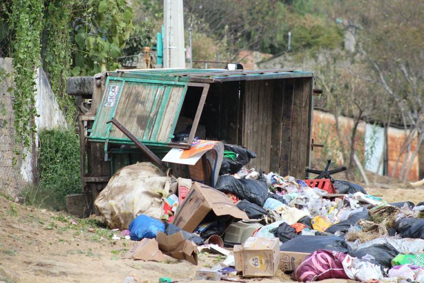 Vuelca camión de basura en Oaxaca | El Imparcial de Oaxaca