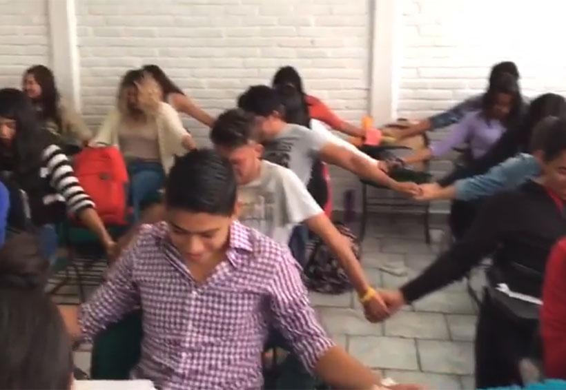 """Video: Se hace viral oración de jóvenes para """"salvar"""" el semestre   El Imparcial de Oaxaca"""