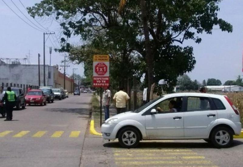 Autorizan a Club Rotario instalar señales de 1×1 en Tuxtepec, Oaxaca