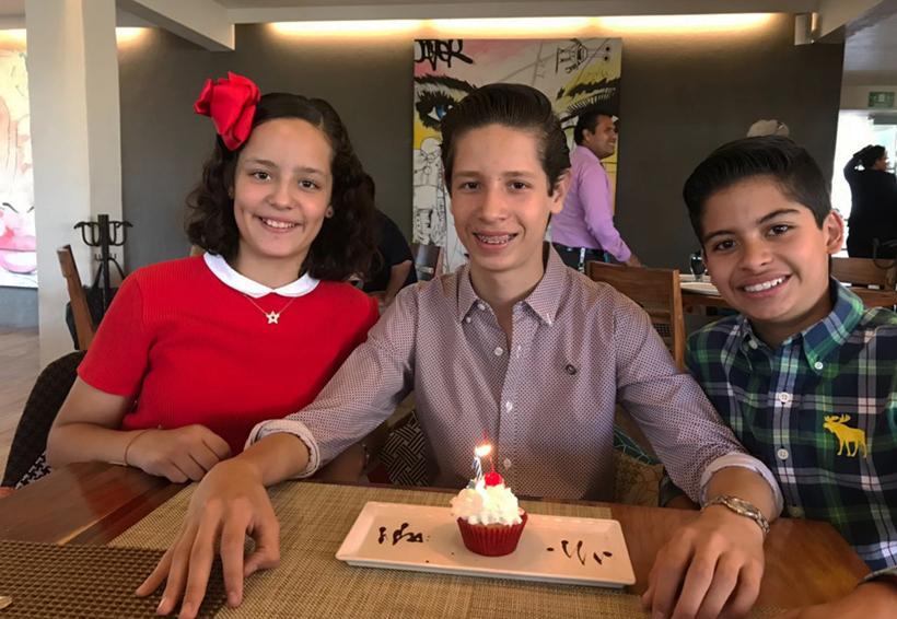 Tico Gómez Calvo se reunió para celebrar sus quince años