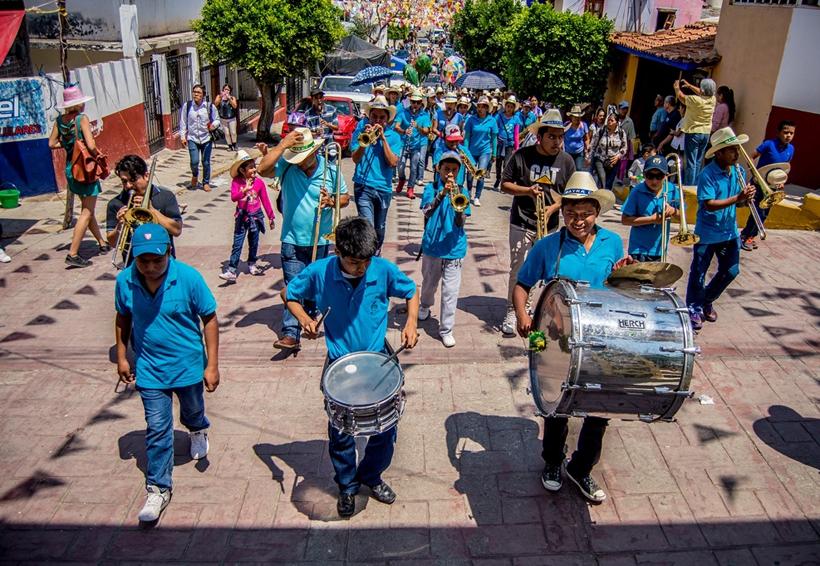Reviven carnavales tradiciones en la Mixteca de Oaxaca