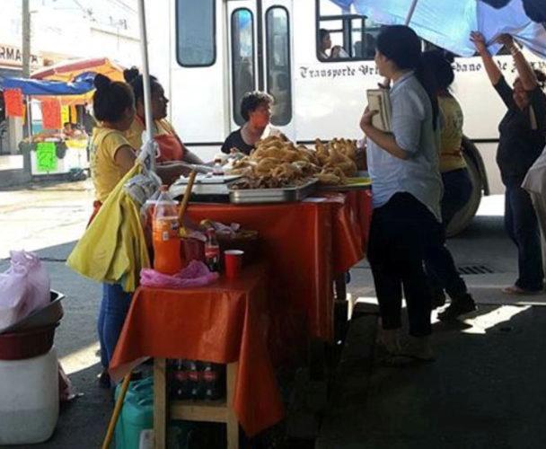 Retiran puesto ambulante de Tuxtepec que no contaba con permiso