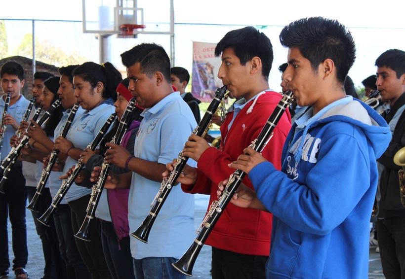 Entre carencias, educación y música del CIS de Zoogocho