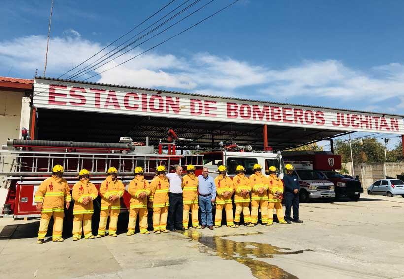 Entregan equipos de protección  personal a bomberos de Juchitán, Oaxaca | El Imparcial de Oaxaca