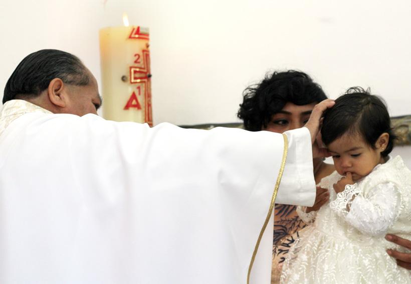 Fernanda es bautizada