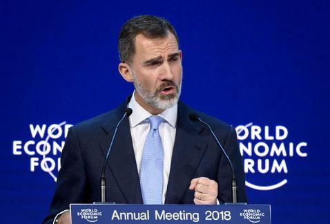 Trump es abucheado en Davos tras criticar a la prensa